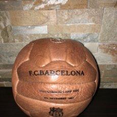 Coleccionismo deportivo: BALON INAUGURACIÓN CAMP NOU F.C BARCELONA. Lote 194242475