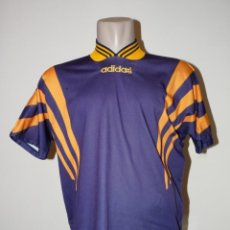 Coleccionismo deportivo: CAMISETA ADIDAS VINTAGE. Lote 194878773