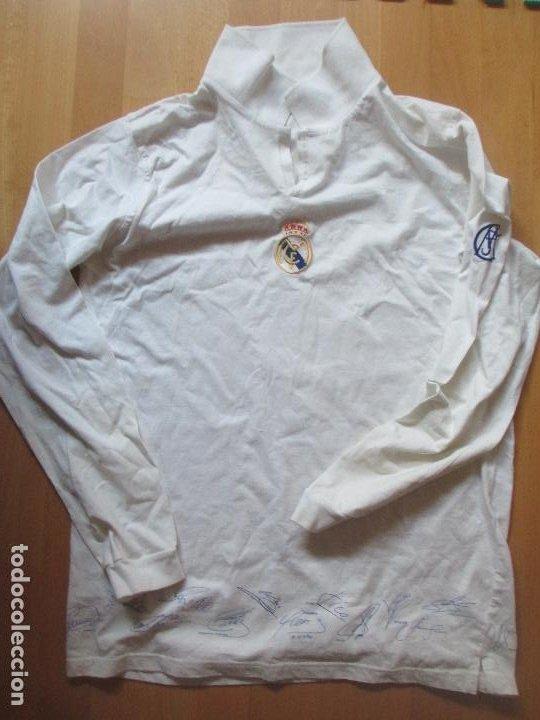 CAMISETA POLO REAL MADRID CON AUTOGRAFOS IMPRESOS TALLA L (Coleccionismo Deportivo - Ropa y Complementos - Camisetas de Fútbol)