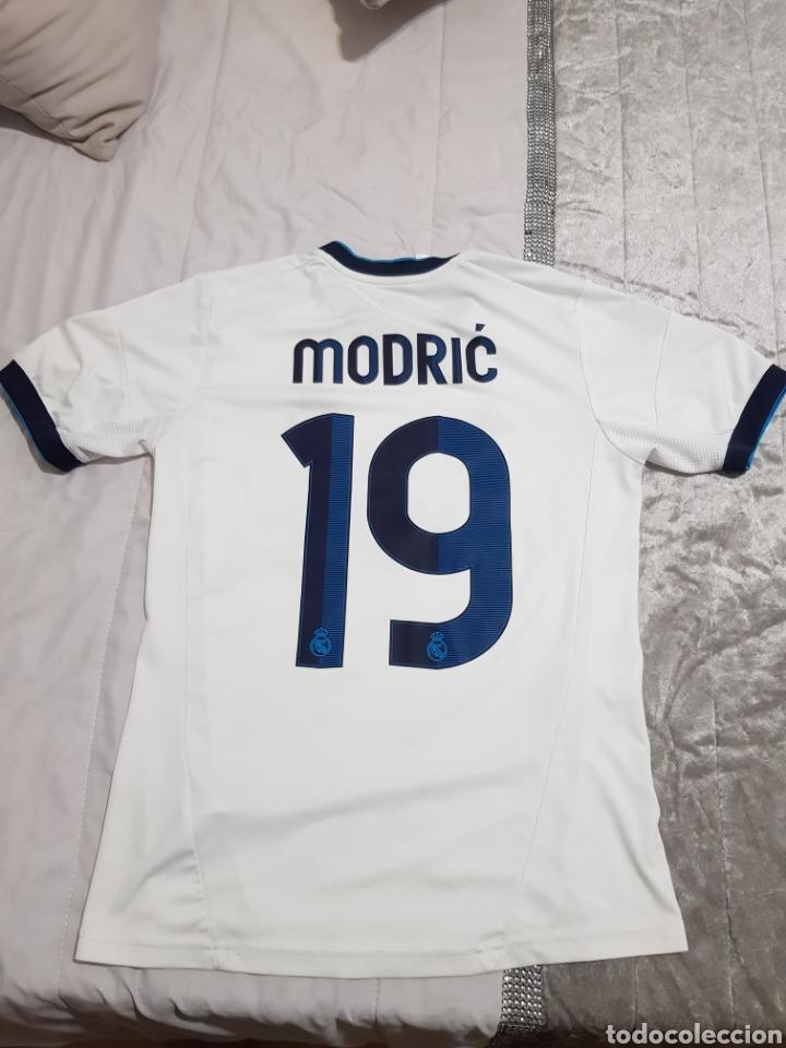 Coleccionismo deportivo: CAMISETA DE MODRIC REAL MADRID 2012 DORSAL 19 TALLA 164 - Foto 2 - 206183923
