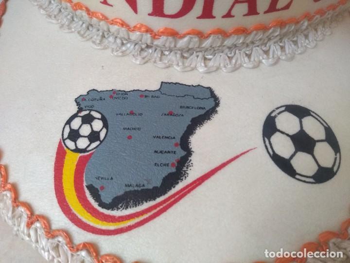 Coleccionismo deportivo: Antigua visera a estrenar Mundial 82. Autentica - Foto 3 - 206822671