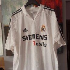 Coleccionismo deportivo: CAMISETA OFICIAL ORIGINAL REAL MADRID TEMP. 2004-5.SIN USAR. 21 SOLARI. Lote 209902567