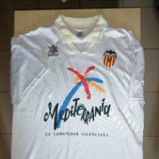 Colecionismo desportivo: ANTIGUA CAMISETA VALENCIA C. F. - LUANVI. Lote 210464118