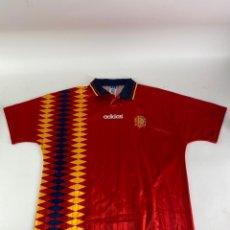 Coleccionismo deportivo: CAMISETA FUTBOL SELECCION ESPAÑOLA MUNDIAL USA 94. ADIDAS. ESCUDO DE TELA BORDADO.. Lote 210843757
