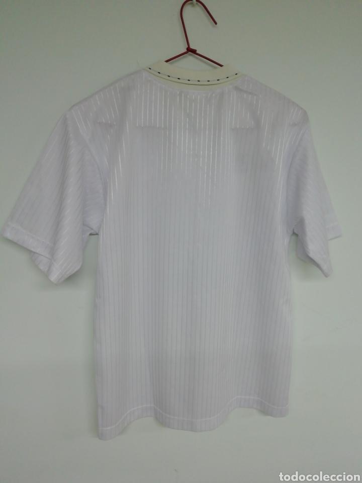 Coleccionismo deportivo: Camiseta VALENCIA C. F. - Foto 2 - 212636998