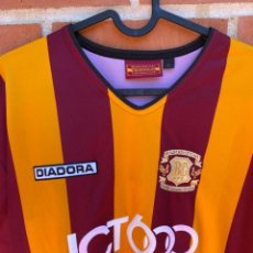 Coleccionismo deportivo: CAMISETA FUTBOL OFICIAL/ORIGINAL BRADFORD CITY 2003-2004. Lote 217122310
