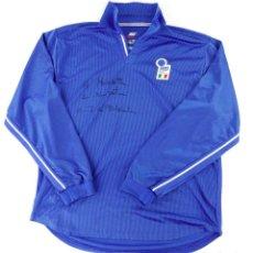 Coleccionismo deportivo: SELECCIÓN ITALIANA, CAMISETA DE JUGADOR FIRMADA POR IDENTIFICAR. FOOTBALL - FUTBOL - ITALIA. Lote 218002067
