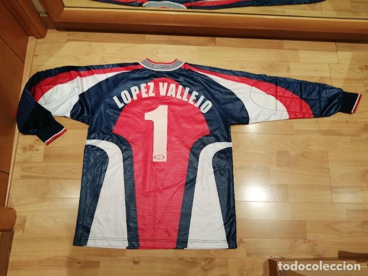 Coleccionismo deportivo: ORIGINAL   FÚTBOL   Camiseta vintage VILLAREAL player LÓPEZ VALLEJO match worn - Foto 3 - 228724820