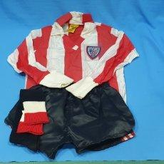 Coleccionismo deportivo: EQUIPACIÓN DE JUGADOR INFANTIL - ATHLETIC DE BILBAO - FENOLL - AÑOS 80. Lote 231611825