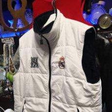 Coleccionismo deportivo: CHALECO REAL MADRID TALLA XL. Lote 233393255