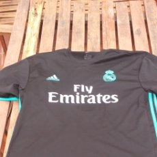 Coleccionismo deportivo: CAMISETA RÉPLICA REAL MADRID. Lote 234456195