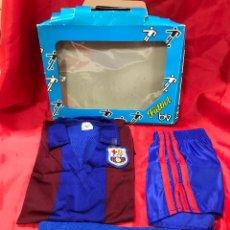 Collezionismo sportivo: CHANDAL DE FUTBOL DEL F. C. BARCELONA DE LA CASA BV (B. VIVANCOS), TALLA 0 NUEVO A ESTRENAR. Lote 234832860