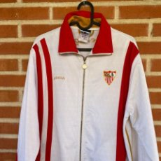 Coleccionismo deportivo: CHAQUETA ORIGINAL/OFICIAL SEVILLA. Lote 238033215