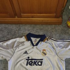 Coleccionismo deportivo: CAMISETA DEL REAL MADRID. Lote 242279020