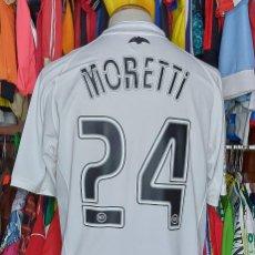 Coleccionismo deportivo: #24 MORETTI VALENCIA C.F 2006-2007 FIRMADA CAMISETA FUTBOL. Lote 243143720
