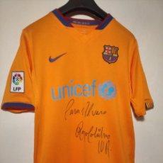 Coleccionismo deportivo: CAMISETA FC BARCELONA FIRMADA POR RONALDINHO - 2ª EQUIPACIÓN NARANJA (2006) AUTÓGRAFO - BARÇA NIKE. Lote 248777070