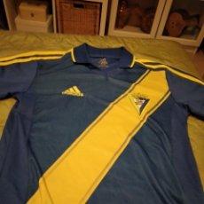 Coleccionismo deportivo: M-34 CAMISETA DE FUTBOL DEL CADIZ CLUB TALLA CHICA 152. Lote 253731005