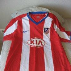 Coleccionismo deportivo: CAMISETA FUTBOL ATLETICO DE MADRID KIA. Lote 261336745