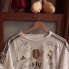 Coleccionismo deportivo: CAMISETA REAL MADRID CRISTIANO RONALDO FIRMADA. Lote 261842375