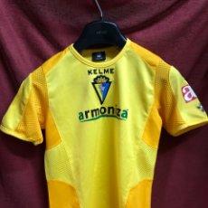 Coleccionismo deportivo: ANTIGUA CAMISETA DEL CADIZ CF DORSAL 11 PAVONI. Lote 263197980