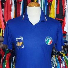 Coleccionismo deportivo: SELECCION ITALIA CAMISETA FUTBOL DIADORA. Lote 268948344