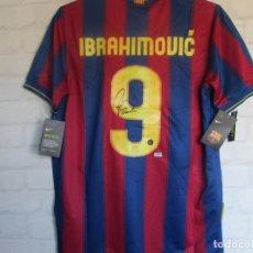 Coleccionismo deportivo: IBRAHIMOVIC CAMISETA FC BARCELONA FIRMADA CON COA. Lote 269459143
