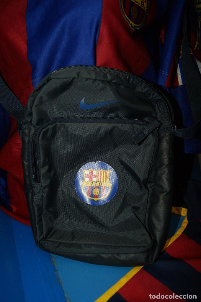 Coleccionismo deportivo: Lote FCB: Bolsa Nike, 2 camisetas infantiles nike Qatar/Unicef, bufanda, camiseta 14 Jordi ... - Foto 2 - 277254543