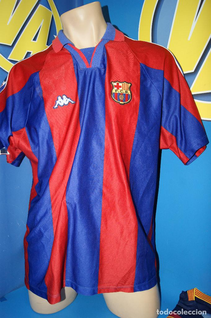 Coleccionismo deportivo: Lote FCB: Bolsa Nike, 2 camisetas infantiles nike Qatar/Unicef, bufanda, camiseta 14 Jordi ... - Foto 7 - 277254543