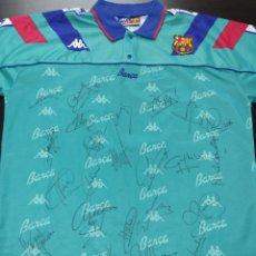 Coleccionismo deportivo: CAMISETA DEL FC BARCELONA - 1993/94 FIRMADA POR CRUYFF, ROMARIO, STOITXKOV, KOEMAN... 23 AUTÓGRAFOS. Lote 284611088