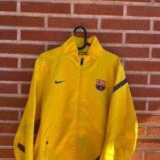 Coleccionismo deportivo: CHAQUETA FÚTBOL ORIGINAL/OFICIAL BARCELONA. Lote 288668728