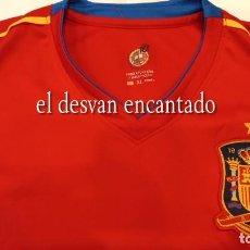 Coleccionismo deportivo: CAMISETA SELECCIÓN ESPAÑOLA CONMEMORATIVA CTO. MUNDO SUDÁFRICA 2010. CERVEZAS CRUZCAMPO. XL. Lote 295797173
