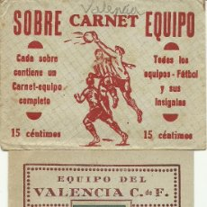 Coleccionismo deportivo: (F-180)CARNET FUTBOL EQUIPO VALENCIA C.F.EDITORIAL CASULLERAS CON SOBRE 1942-1943. Lote 29952630