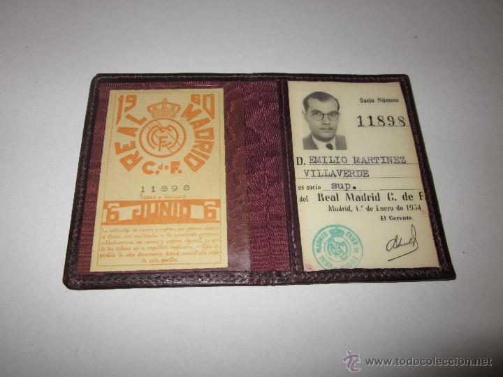 Coleccionismo deportivo: REAL MADRID C. DE F. - CARNET SOCIO - AÑO 1954 Y TARJETA DE 1960 - (V- 604) - Foto 2 - 43310209