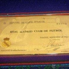 Coleccionismo deportivo: CARNET SOCIO REAL MADRID AÑO SEPTIEMBRE 1963. Nº 30.452. BUEN ESTADO.. Lote 44135972