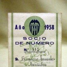 Coleccionismo deportivo: CARNET DE SOCIO, CON CUPONES DE CUOTA SOCIAL, VALENCIA CLUB DE FUTBOL, 1958. Lote 50112469
