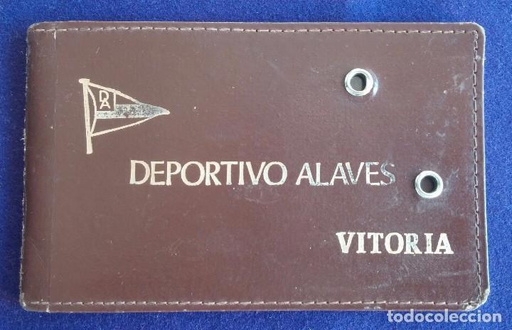 ANTIGUO CARNET DE SOCIO DEL DEPORTIVO ALAVES, CON FICHA DEL SOCIO. FUTBOL. VITORIA. (Coleccionismo Deportivo - Documentos de Deportes - Carnet de Socios)