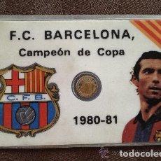 Coleccionismo deportivo: ANTIGUO CARNET FUTBOL CLUB FC BARCELONA F.C BARÇA CF AÑO 80 - 81 QUINI Y ALINEACION SIGLAS C.F.B. Lote 93934325