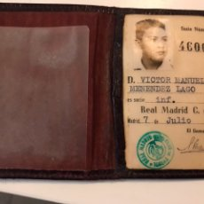 Coleccionismo deportivo: CARNET INFANTIL REAL MADRID + CUPONES 1961. Lote 110298100