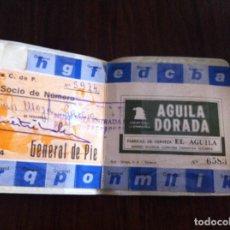 Coleccionismo deportivo: ANTIGUO PASE VALENCIA CLUB DE FÚTBOL. AÑO 1974. PATROCINADO POR CERVEZA ÁGUILA DORADA. Lote 118709827