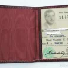 Coleccionismo deportivo: ANTIGUO CARNET SOCIO REAL MADRID 1955, TAL COMO SE VE EN LAS FOTOGRAFIAS PUESTAS.. Lote 150740502