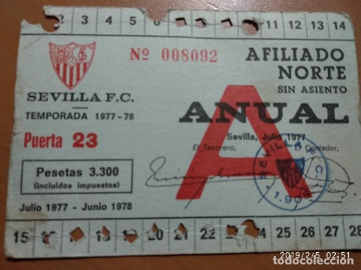 ANTIGUO CARNET DE SOCIO FUTBOL DEL SEVILLA F.C, TEMPORADA 1977-78, AFILIADO NORTE (Coleccionismo Deportivo - Documentos de Deportes - Carnet de Socios)