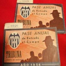 Coleccionismo deportivo: VALENCIA. C.F. LOTE 2 PASES 1956. MESTALLA. MISMO SOCIO. Lote 189781252