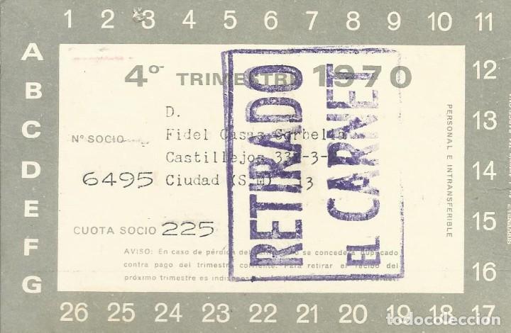 Coleccionismo deportivo: Carnet Club de Fútbol Barcelona. 4º trimestre 1970. 8x11,5 cm. Buen estado con signos de la edad. - Foto 2 - 221714705