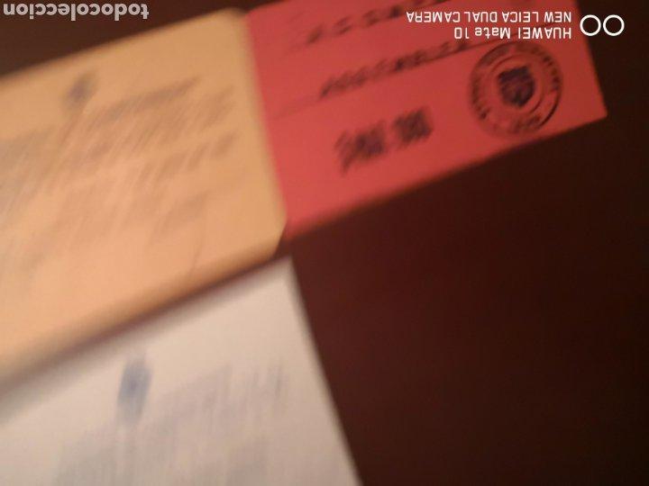 Coleccionismo deportivo: Lote de carnets antiguos futbol club barcelona - Foto 5 - 221918705