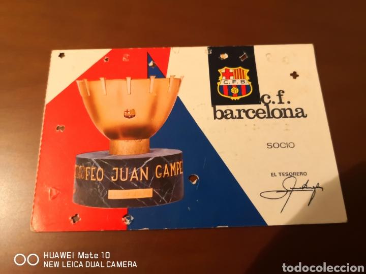 Coleccionismo deportivo: Lote de carnets antiguos futbol club barcelona - Foto 6 - 221918705