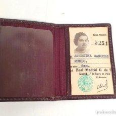 Coleccionismo deportivo: ANTIGUO CARNET SOCIO REAL MADRID AÑO 1954. Lote 236150180