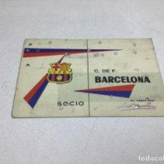 Coleccionismo deportivo: CARNET DE SOCIO F.C. BARCELONA - ANUAL AÑO 1962. Lote 243858645