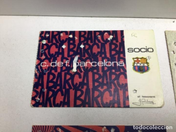Coleccionismo deportivo: LOTE CARNETS DE SOCIO F.C. BARCELONA - ANUAL - DESDE AÑO 1971 HASTA 1987 - SON 17 CARNETS - Foto 3 - 243867345