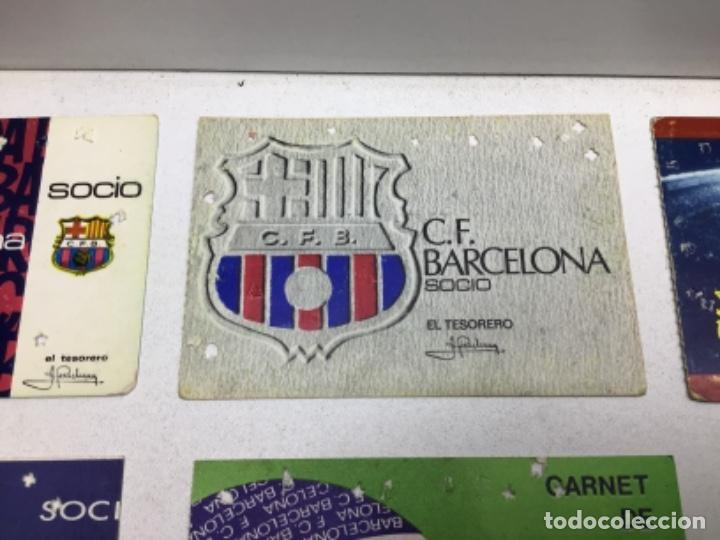 Coleccionismo deportivo: LOTE CARNETS DE SOCIO F.C. BARCELONA - ANUAL - DESDE AÑO 1971 HASTA 1987 - SON 17 CARNETS - Foto 4 - 243867345