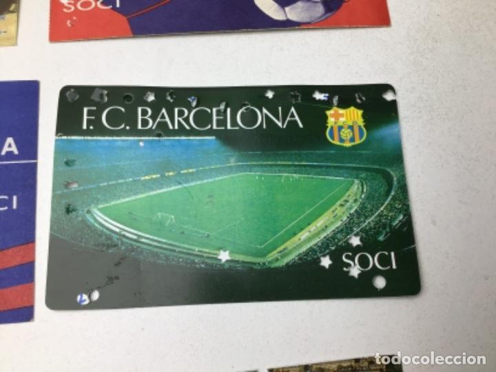 Coleccionismo deportivo: LOTE CARNETS DE SOCIO F.C. BARCELONA - ANUAL - DESDE AÑO 1971 HASTA 1987 - SON 17 CARNETS - Foto 12 - 243867345